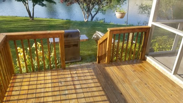 TWP 115 Honeytone Pine Deck